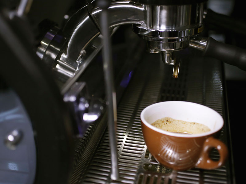 Accesorios para cafetería México: tips para elegir bien