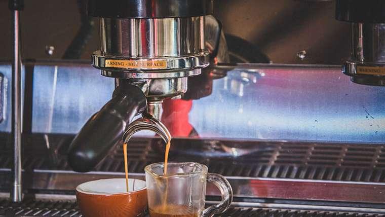 Cafeteras profesionales para cafeterías: máquina automática de café